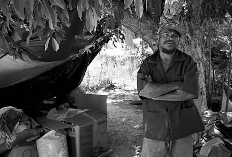 A homeless father on the edge of town. Patacas, Aquiraz - CE, Brazil. 2008.