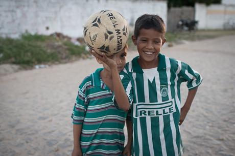 Boys with futebol. Patacas, Aquiraz - CE, Brazil. 2006.
