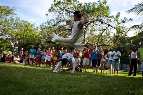 Watching Capoeira. Patacas, Aquiraz - CE, Brazil. 2006.
