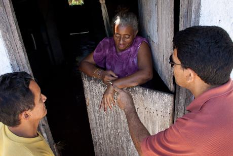 Woman with bracelet. Patacas, Aquiraz - CE, Brazil. 2008.