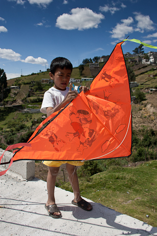 Kite flying. Quito, Ecuador. 2006.