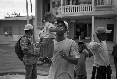 Man and daughter. Guayaquil, Ecuador. 2011.