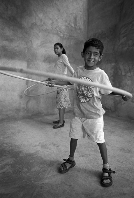 Hula hoops. Mexico. 2006.